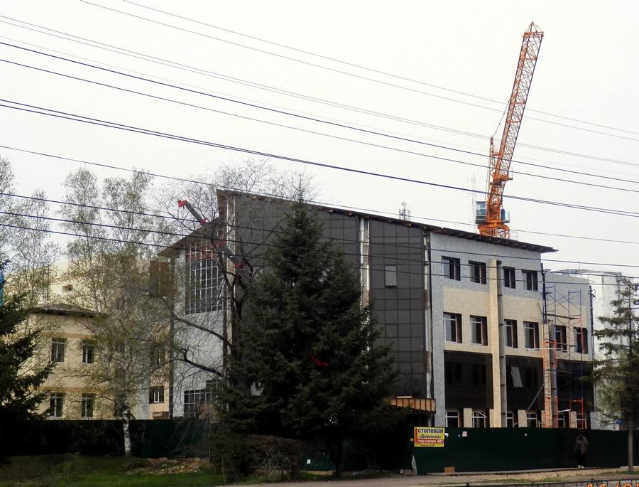 1_4. Фасад строящегося здания -